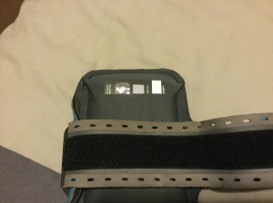 Wallet pocket of Belkin Armband